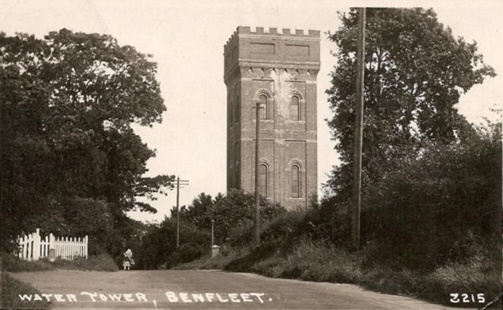 postcard_benfleet_115__Medium_ (1)